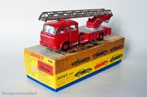 Dinky Toys 568 - Berliet GBK6 Grande échelle incendie