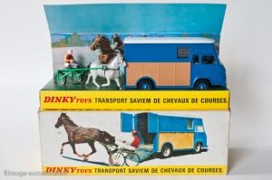 Dinky Toys 571 - Saviem transport de chevaux