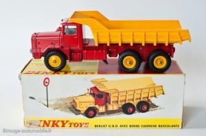 Dinky Toys 572 - Berliet GBO benne carrière