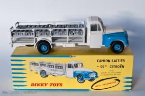 Dinky Toys 586 - Citroën P 55 laitier