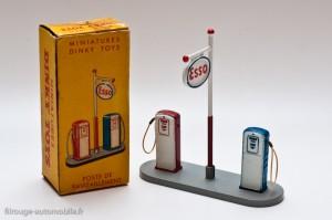 Dinky Toys 49 D - poste à essence Esso