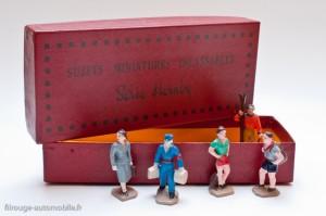 Dinky Toys série 11 - Coffret 5 personnages en plastique
