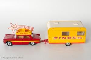 Dinky Toys 882 - Peugeot 404 et caravane Pinder