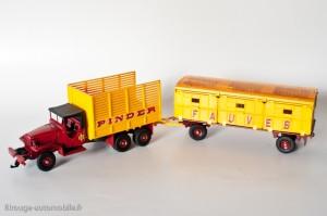 Dinky Toys 881 - GMC et remorque Pinder