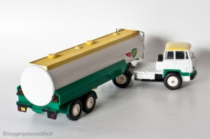 "Dinky Toys 887 - Unic Esterel Semi-remorque citerne ""AIR-BP"""
