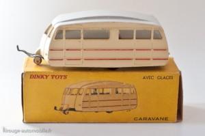Dinky Toys 811 - caravane Hénon toit lisse