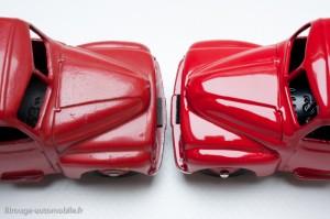 Camionnette de dépannage Citroën - Dinky Toys 35 A, copie Atlas à droite, original à gauche - Les différences de peinture