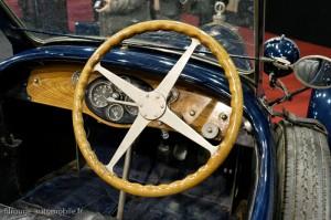 Poste de pilotage Bugatti - Rétromobile 2013