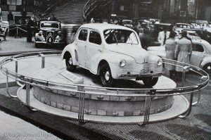 Renault 4 CV - Salon de l'automobile 1947