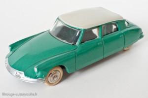 Citroën DS 19 - Dinky Toys réf. 24 CP