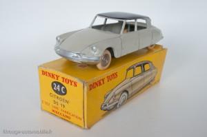 Citroën DS 19 - Dinky Toys réf. 24 C - le premier modèle Dinky Toys, coloris proche du modèle présenté en 1955