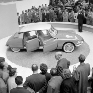 Citroën DS au salon de Paris 1955 - crédit AFP