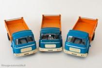 Berliet GAK benne basculante - Les Dinky Toys 585 (à gauche et à droite) et Le Dinky Editions Atlas(au centre)