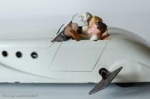 Jouet C.I.J. 5/38 - Ford Comète sur base Viva Renault Grand Sport - avec clé de remontage du moteur