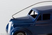 Renault Juvaquatre Dauphinoise break Gendarmerie- CIJ réf. 3/69 - détail accroche d'antenne