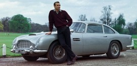 Aston Martin DB5 de James Bond 007, ici Sean Connery