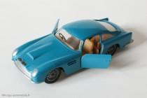 Aston Martin DB5 Vantage - Solido réf. 130  - portes ouvrantes, suspension, sieges basculants