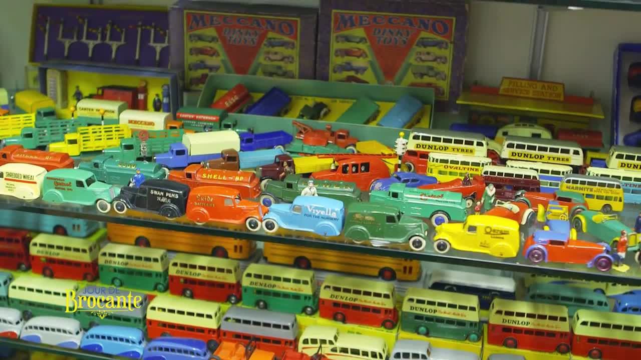 dinky toys dans jour de brocante sur france 3 filrouge automobile. Black Bedroom Furniture Sets. Home Design Ideas