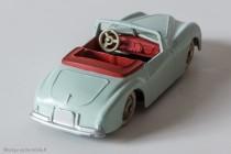 Dinky Toys 24 S - Simca 8 sport - des détails inhabituels pour l'époque