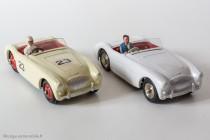 Dinky Toys 109 (GB) et 546 (F)  - Austin Healey 100 cabriolet compétition (GB) et civile (F)