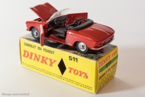 Dinky Toys 511 - Peugeot 204 cabriolet - parties ouvrantes
