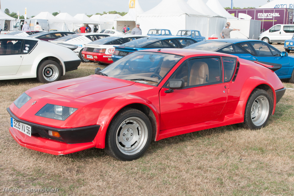 une voiture une miniature renault alpine a310 v6 pack gt filrouge automobile. Black Bedroom Furniture Sets. Home Design Ideas
