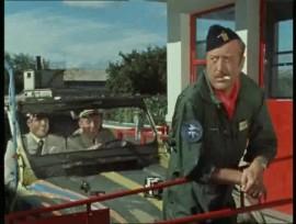 """La série télévisée """"Les Chevaliers du ciel"""" - Michel Tanguy et Ernest Laverdure dans leur R4 Sinpar (épisode 1)"""