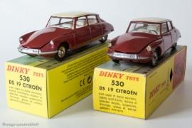 Citroën DS 19 réf. 530 - reproduction Dinky Atlas à gauche et Dinky Toys d'origine à droite