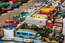30ème Salon du jouet ancien et de collection de Betton (35) - Stand de Dinky Toys anglais
