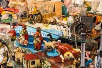 30ème Salon du jouet ancien et de collection de Betton (35) - Stand de jouets en tôle