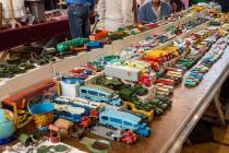 30ème Salon du jouet ancien et de collection de Betton (35) - Stand de Dinky Toys
