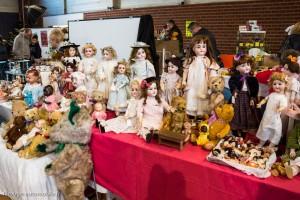 30ème Salon du jouet ancien et de collection de Betton (35) - Stand de poupées