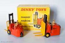 Conventry Climax chariot à fourche - Dinky Toys Réf. 597 - modèle fabriqués en France - roues convexes et roues concaves