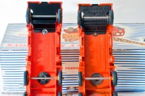 Camion grue Coles 20 T. - Dinky Toys Réf. 972 - modèle anglais et celui fabriqué en France, différences de châssis