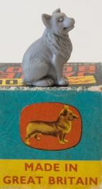 Le chien de la Reine d'Angleterre, Corgi, l'emblème de Corgi Toys