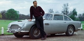 Aston Martin DB5 de James Bond dans Goldfinger avec Sean Connery