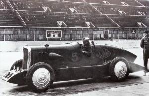 La Rosalie V des records sur le circuit de Montlhery en 1933