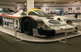 Porsche 962 de Jacky Ickx  - expo 70 ans Merckx - Ickx / crédit organisateur