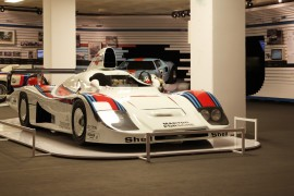 Porsche 936 de Jacky Ickx  - expo 70 ans Merckx - Ickx / crédit organisateur