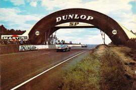 24 Heures du Mans, passerelle pneu Dunlop en 1965 (crédit ACO)