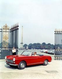 Peugeot 404 cabriolet Pininfarina - photo années 60