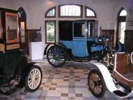 Les automobiles anciennes dans le Musée automobile Henri Malartre de Rochetaillée