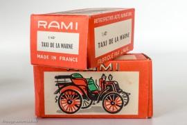 La boite rouge RAMI avec type de la voiture imprimé