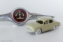 Renault Dauphine de 1956 - C.I.J réf. 3/56 avec enjoliveur de plaque minéralogique arrière