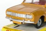 Dinky Toys 1424 - Renault R12 berline - 1ère calandre