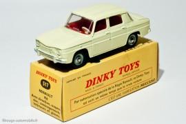 """Dinky Toys 517 - Renault R8 berline - boite avec indication """"par autorisation spéciale de la Régie Renault, ce Dinky Toys est sorti en même temps que la vraie voiture"""""""