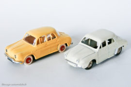 Renault Dauphine - Norev contre Dinky Toys
