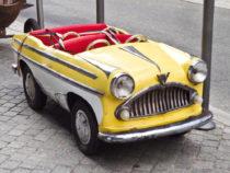 Voiture Simca de manège - années 1950