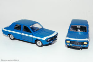 Renault 12 Gordini - Dinky Toys réf. 1424G - française à gauche et espagnole à droite