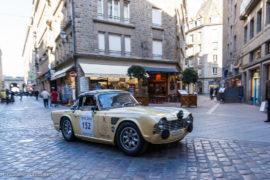 Tour Auto Optic 2000 de 2017 - Triumph TR4 dans la ville de St Malo